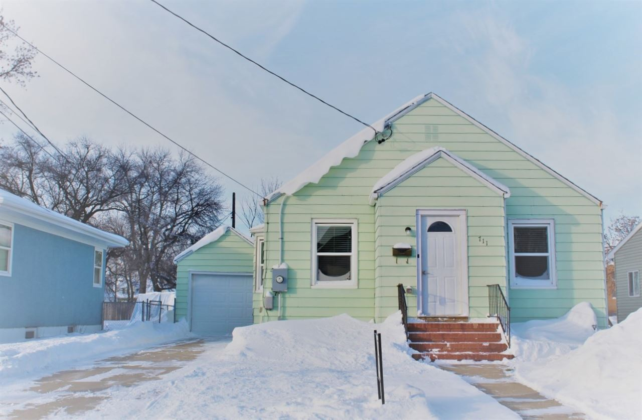 711 7th St. NW, Minot, ND 58703