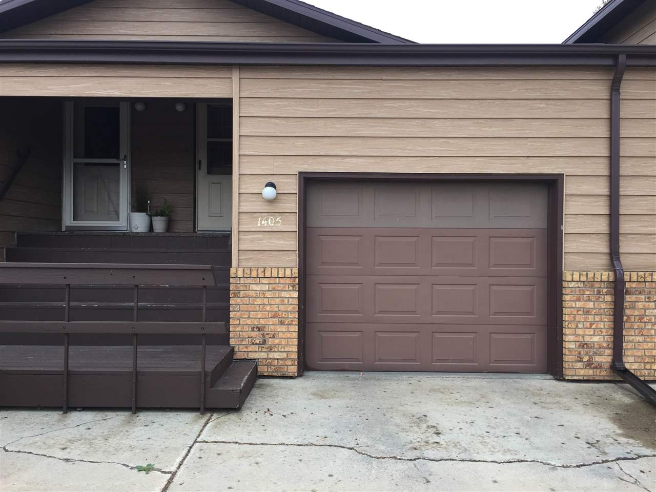 1405 SW 11 1/2 AVE, Minot, ND 58701