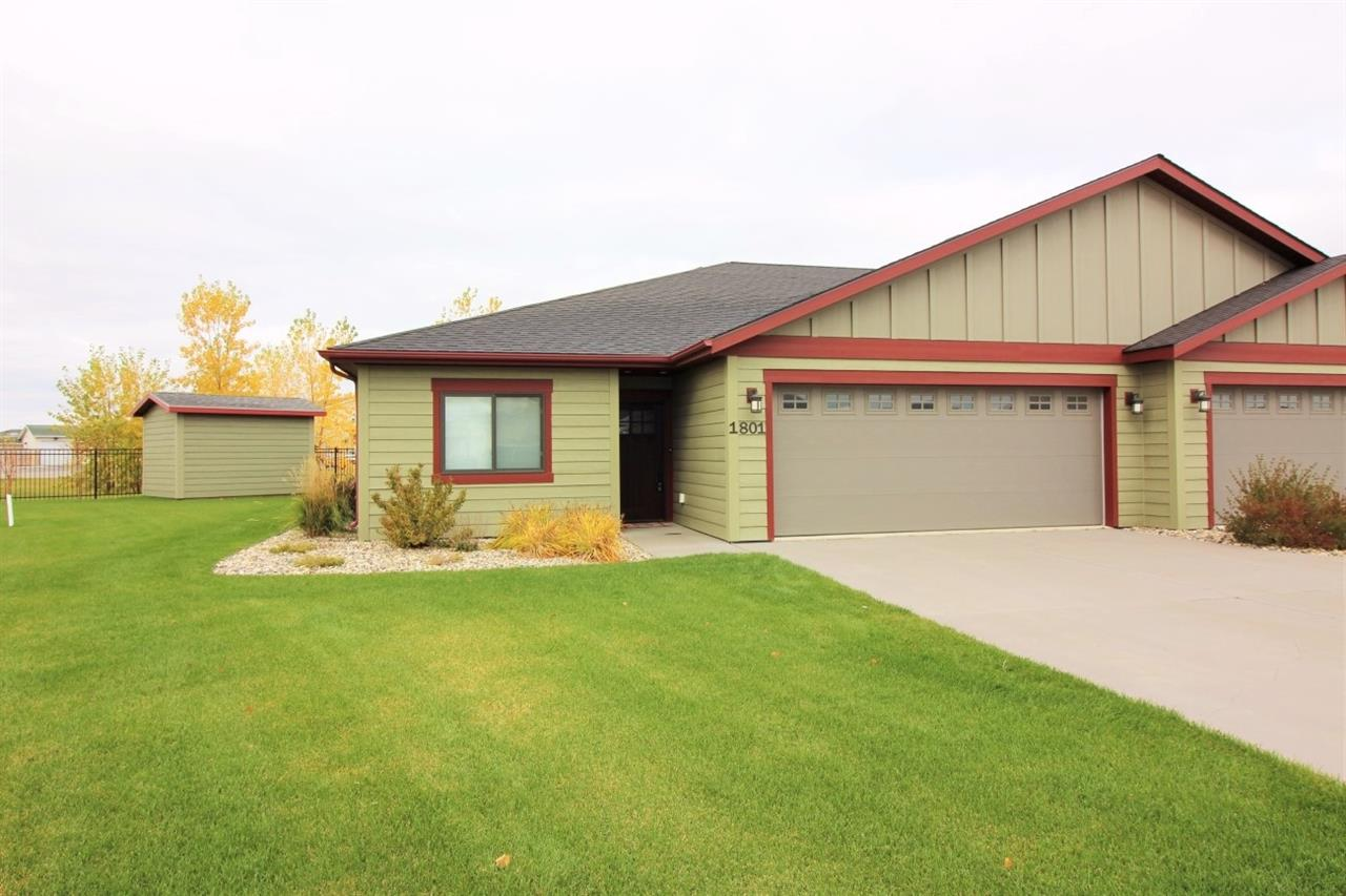 1801 SW 24th St, Minot, ND 58701