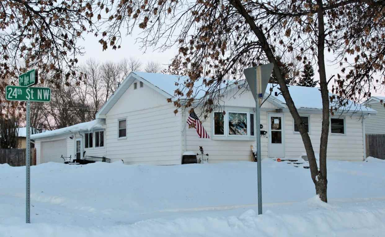 201 24th St. NW NW, Minot, ND 58703