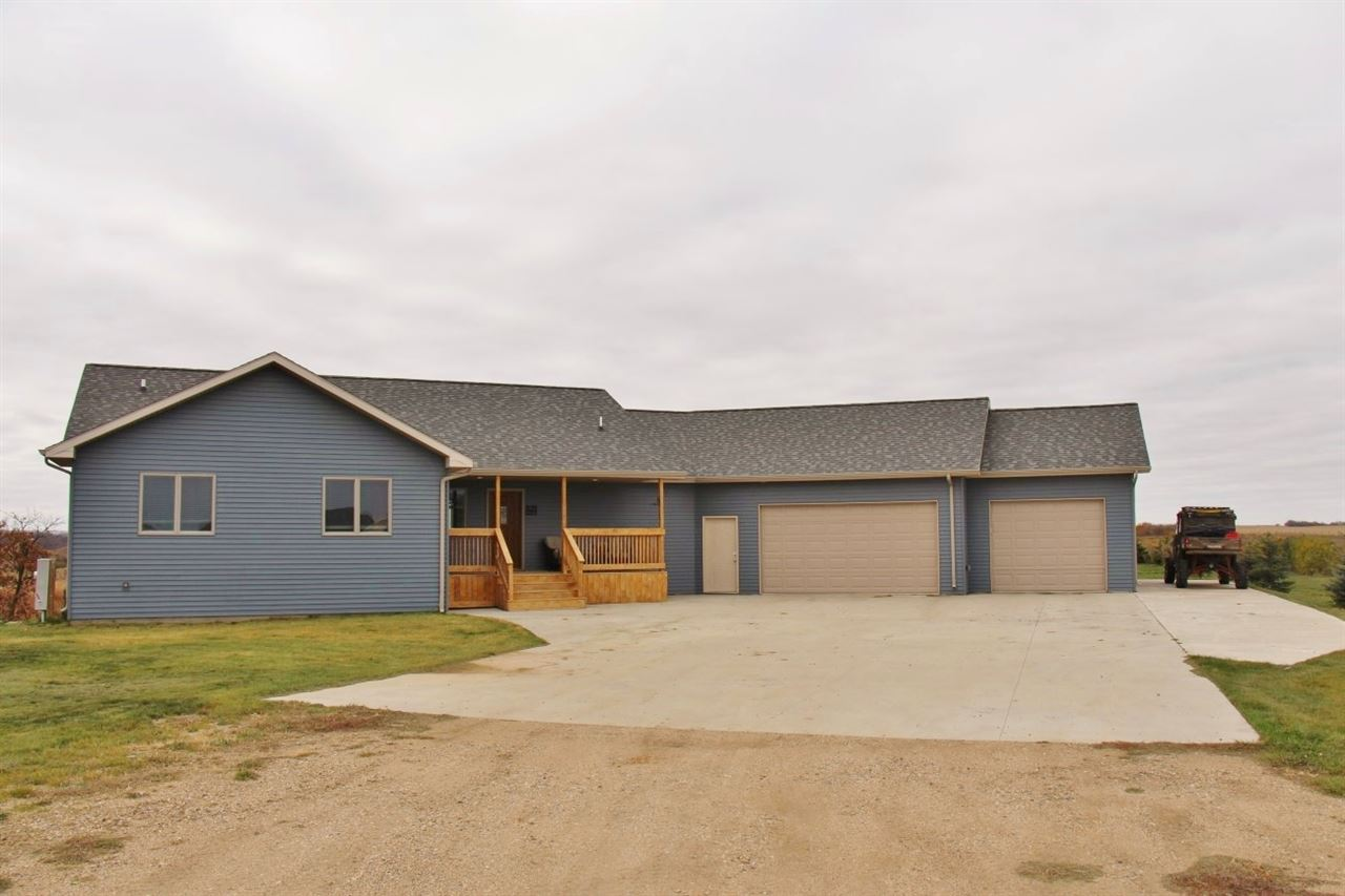 12821 Pasadena Court, Minot, ND 58701