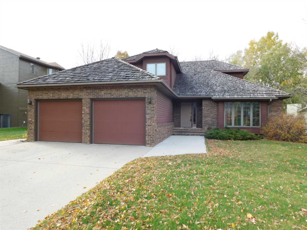 1320 12th St. SW, Minot, ND 58701