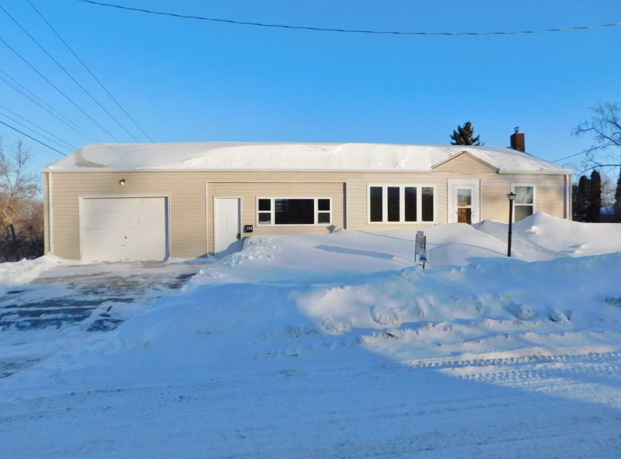 304 A Ave. SW, Minot, ND 58701