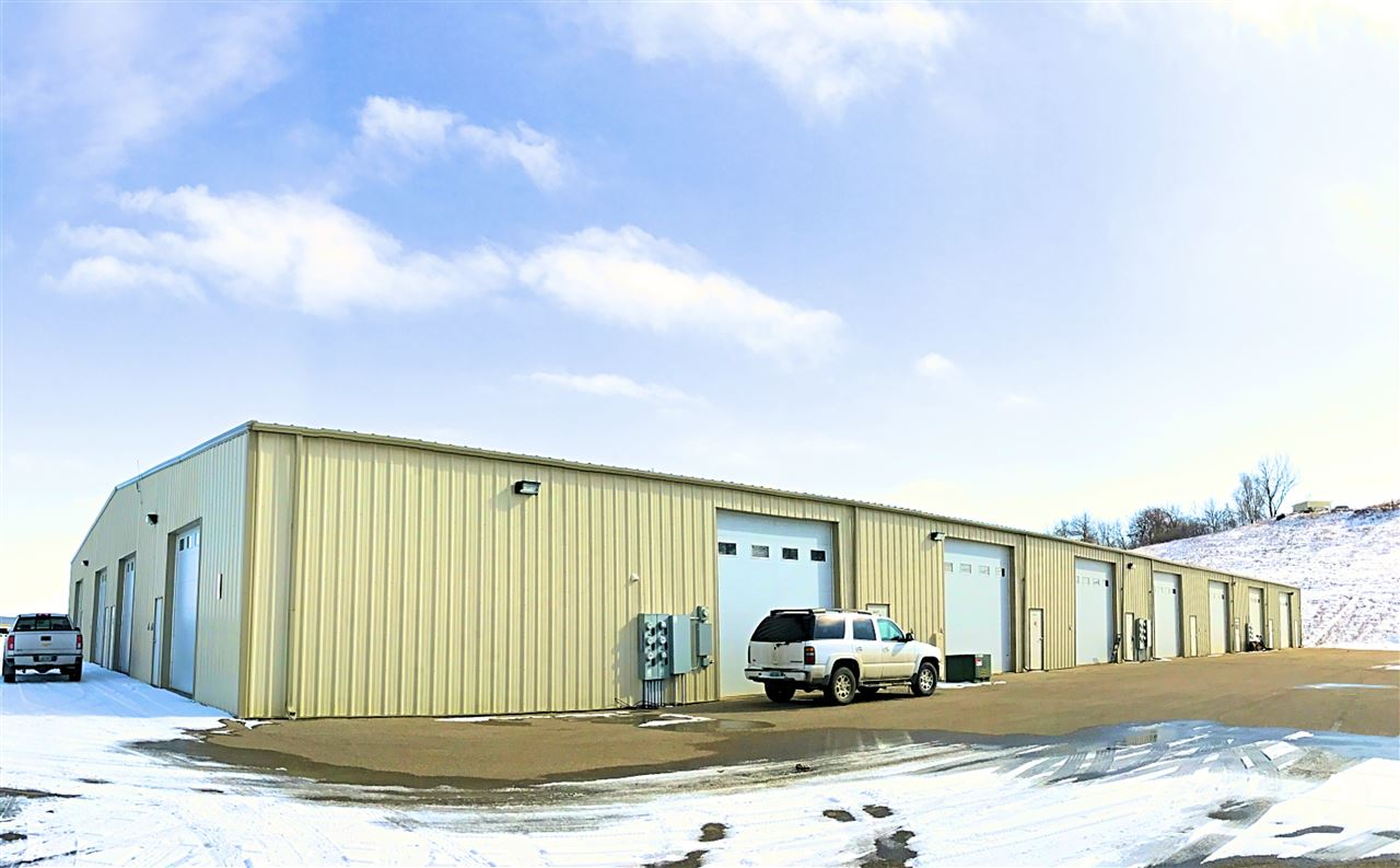 2520 20TH AVE - SUITE J SE, Minot, ND 58701