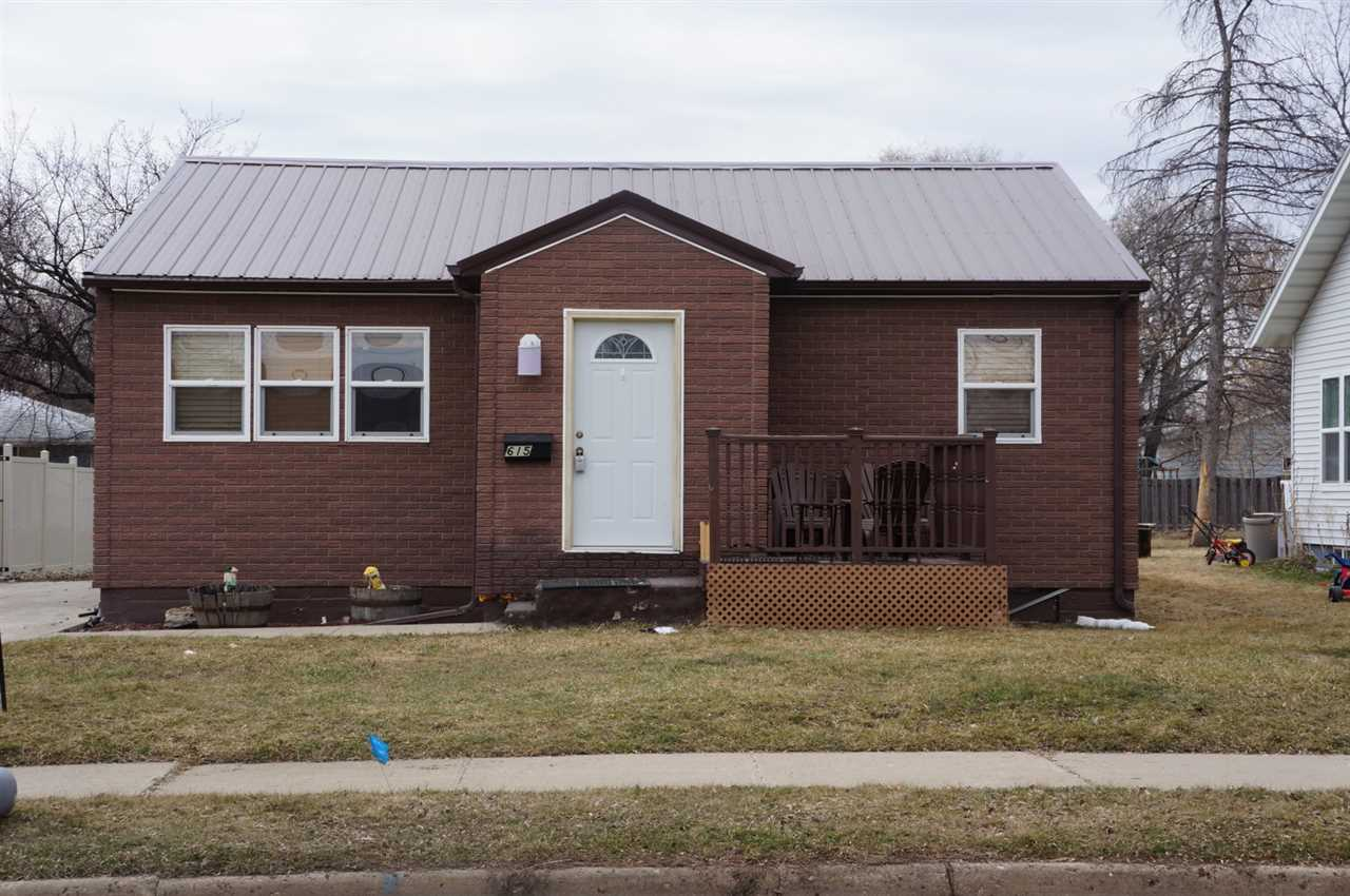 615 NW 11th St NW, Minot, ND 58701