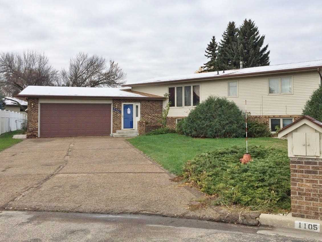 1105 15 1/2 Ave. SW, Minot, ND 58701