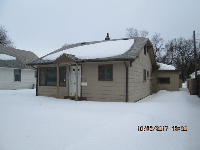 310 7th St NW, Minot, ND 58703