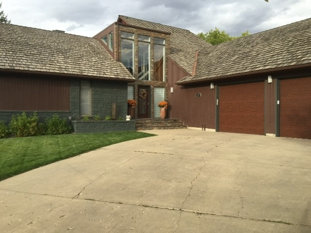 1301 11th St SW, Minot, ND 58701
