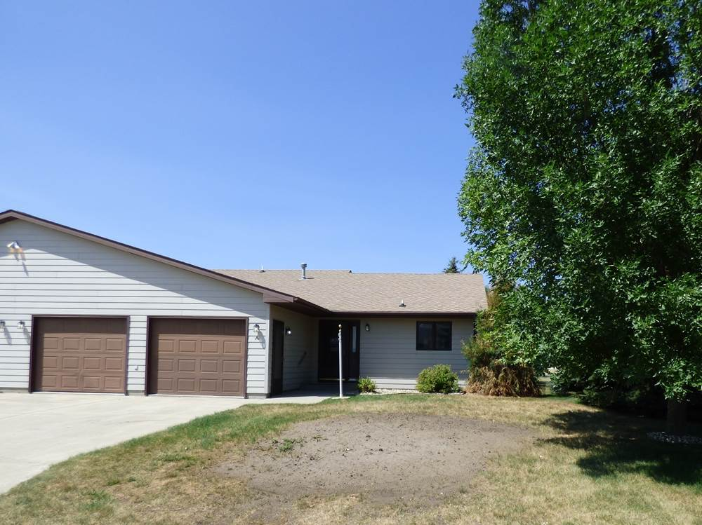 625 SW 32nd Ave, Minot, ND 58701