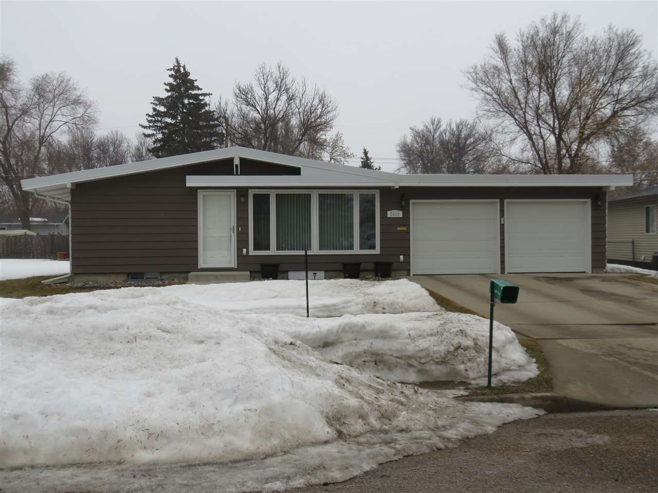 2012 WESTFIELD AVE SW, Minot, ND 58701
