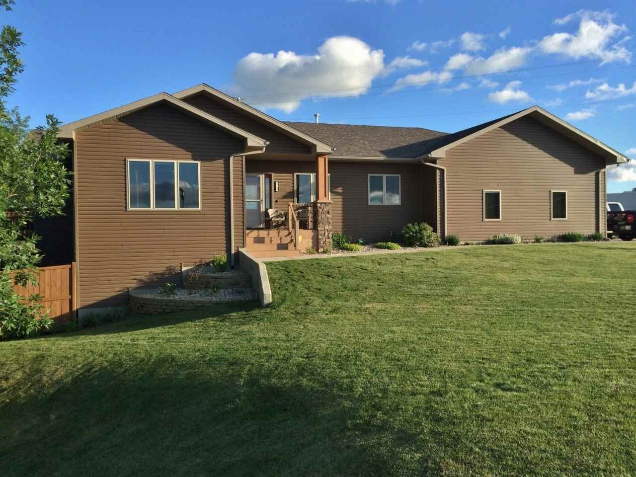 1749 Evergreen Ave. SW, Minot, ND 58701