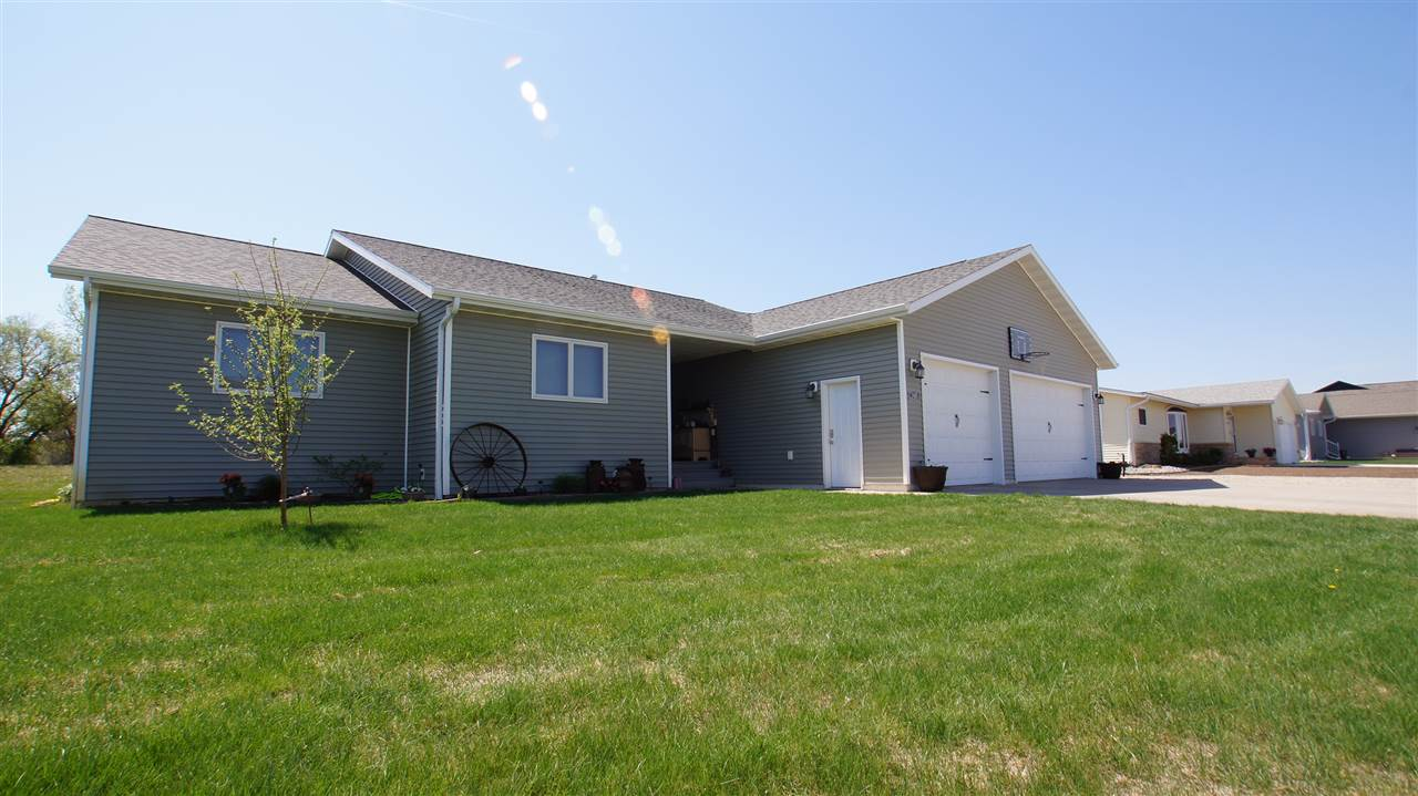 2405 SW 7th Ave., Minot, ND 58701