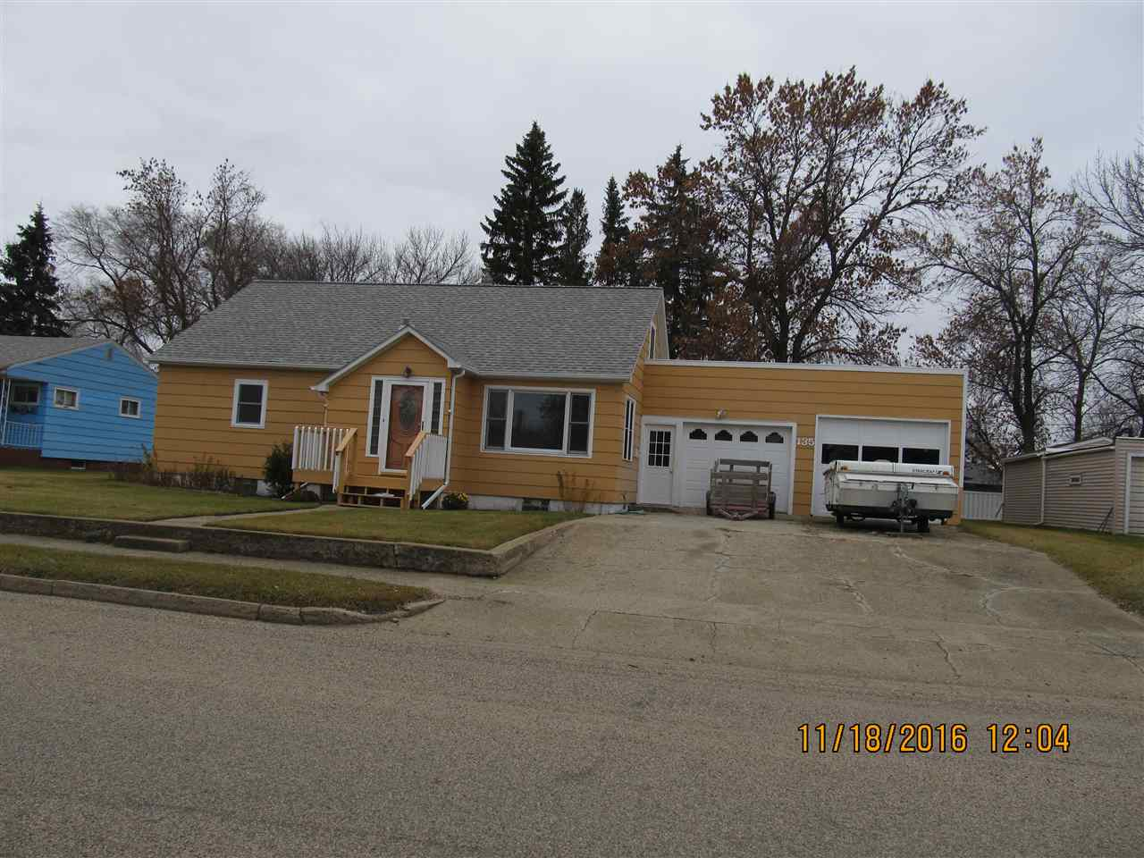 135 SW 10th ST, Rugby, ND 58368