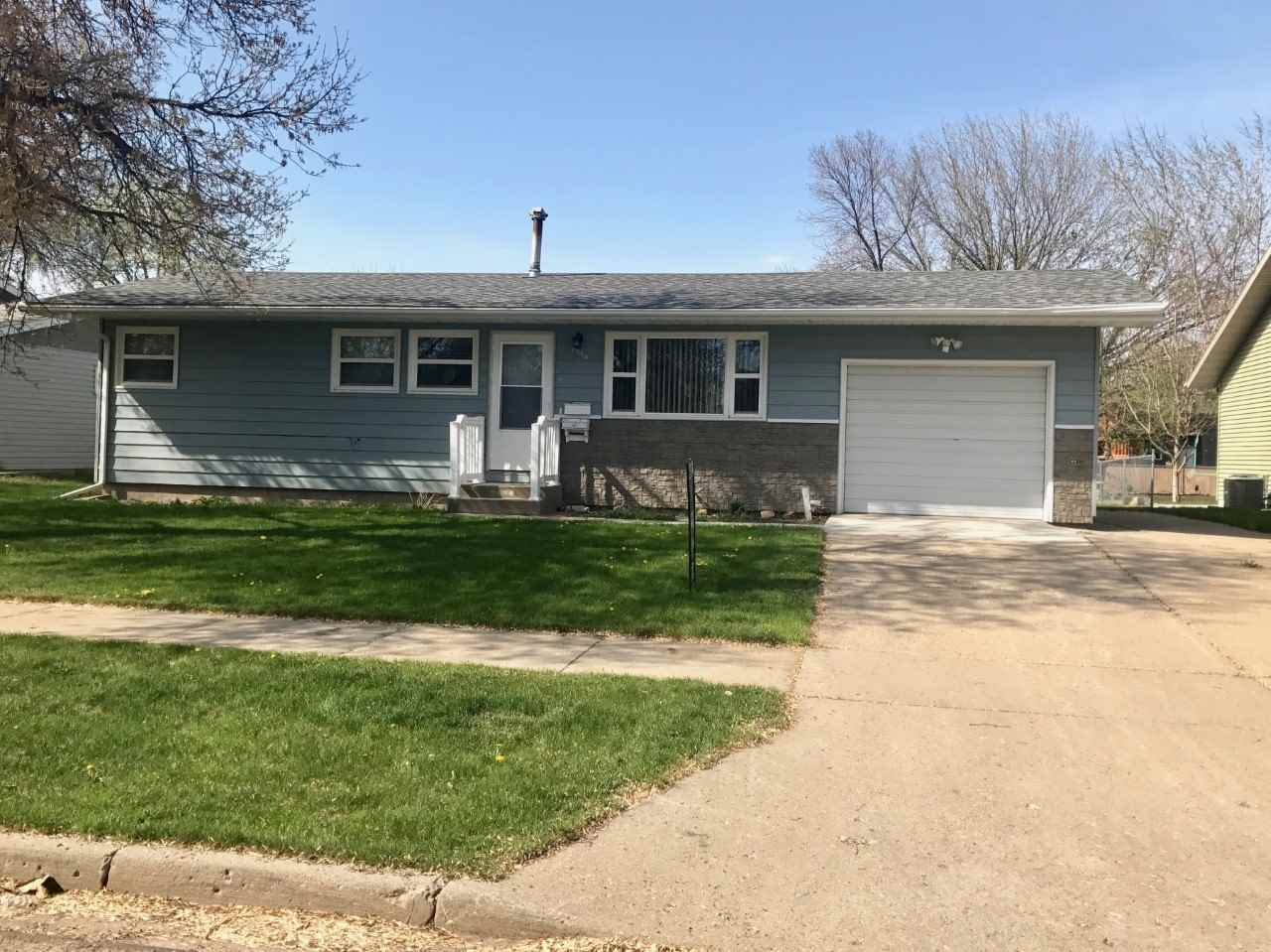2004 1ST AVE SW, Minot, ND 58701
