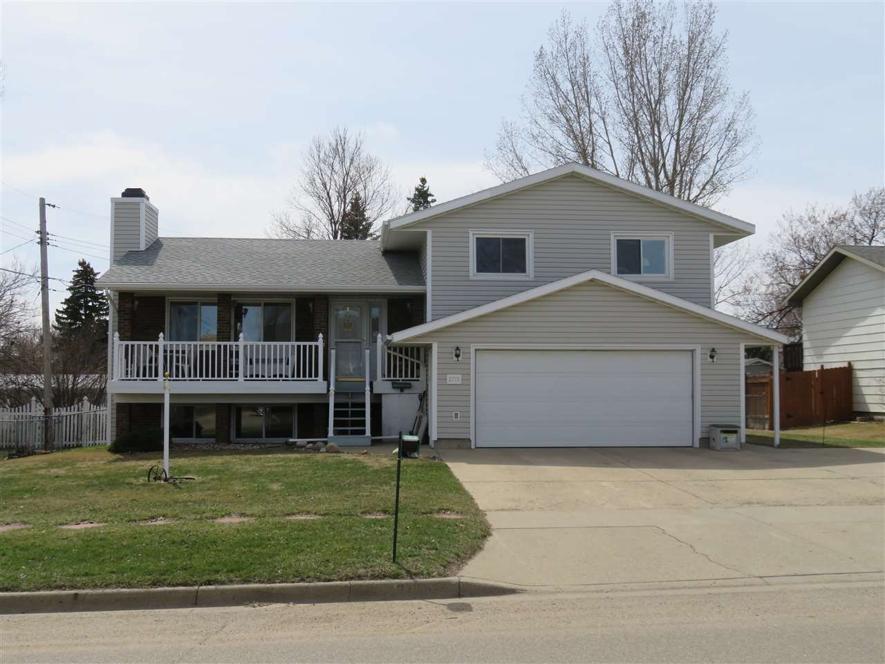 2715 W CENTRAL AVE NW, Minot, ND 58703