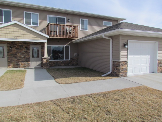 15 SW 43rd Ave Unit #15, Minot, ND 58701