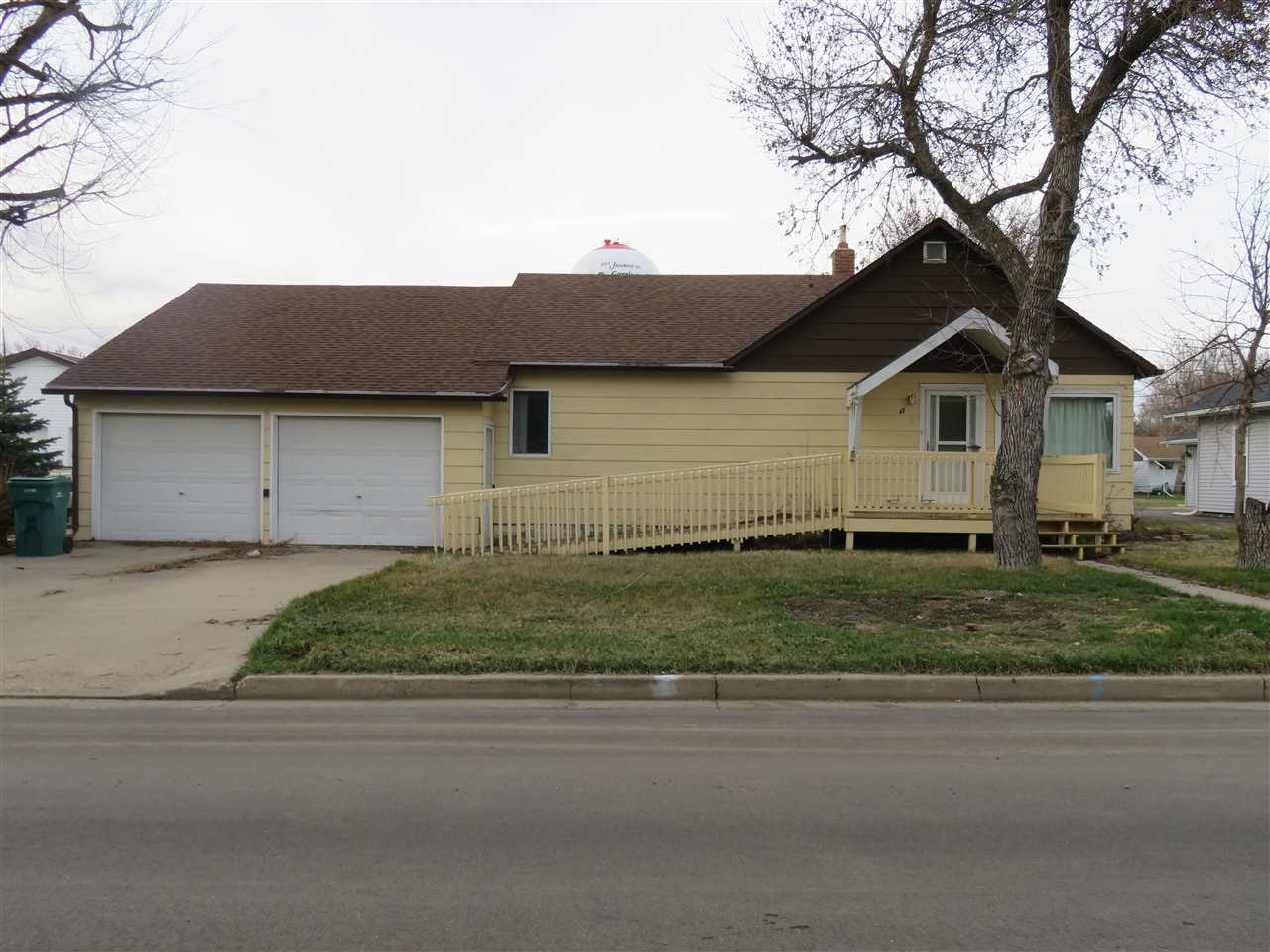 47 3RD AVE NW, Garrison, ND 58703