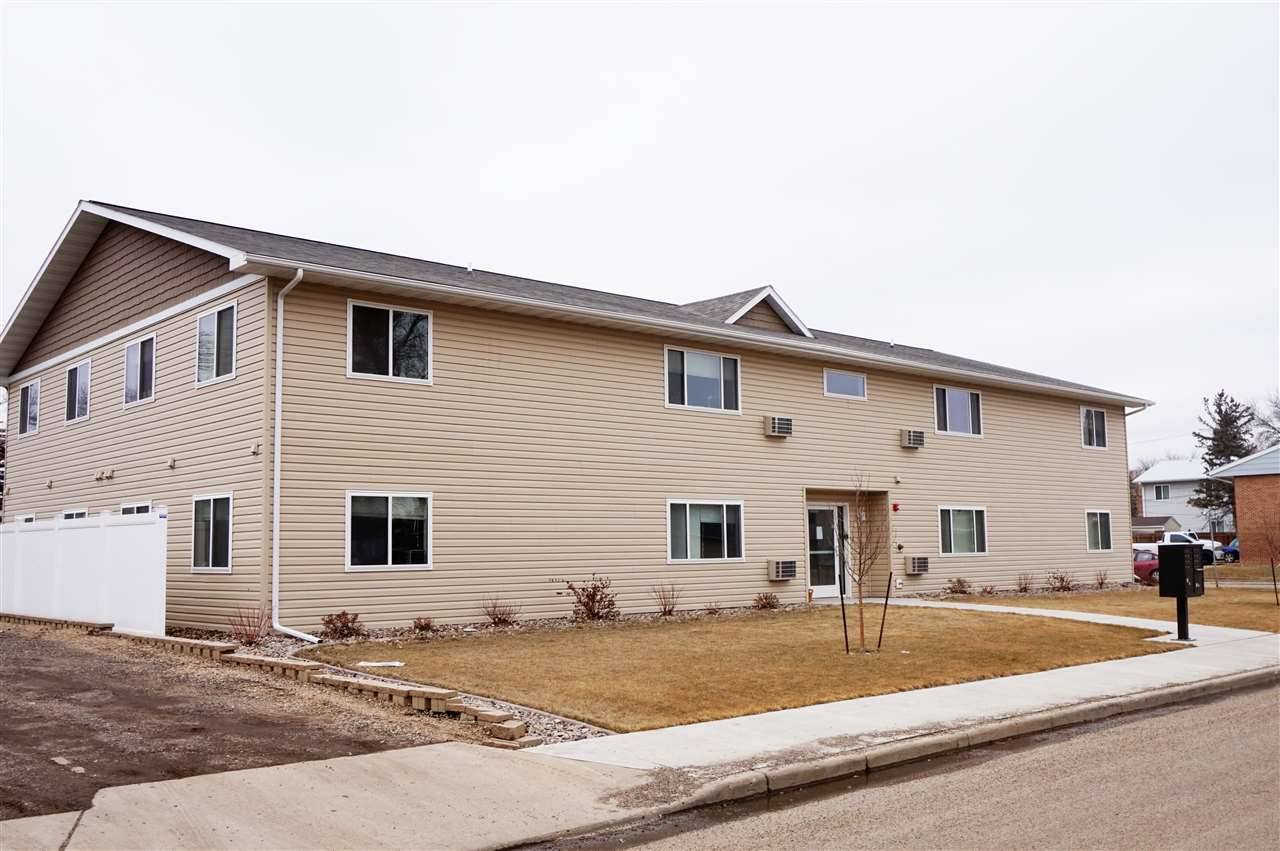 611 3rd Street NW, Minot, ND 58703