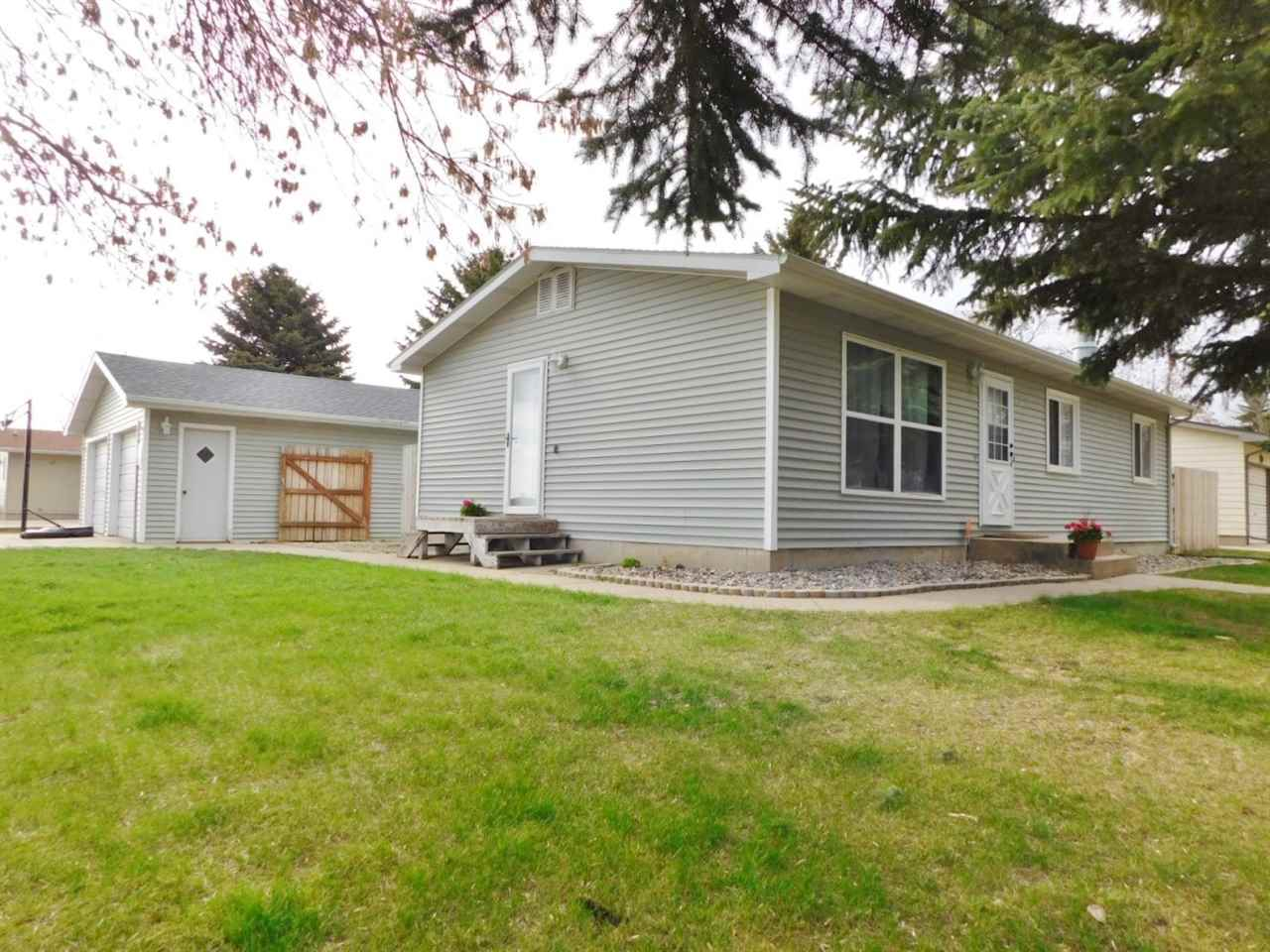 2510 NW 8th St, Minot, ND 58701