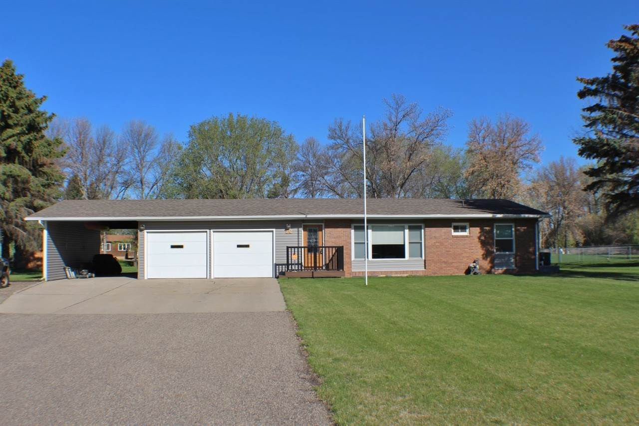 510 36th St. SW, Minot, ND 58701