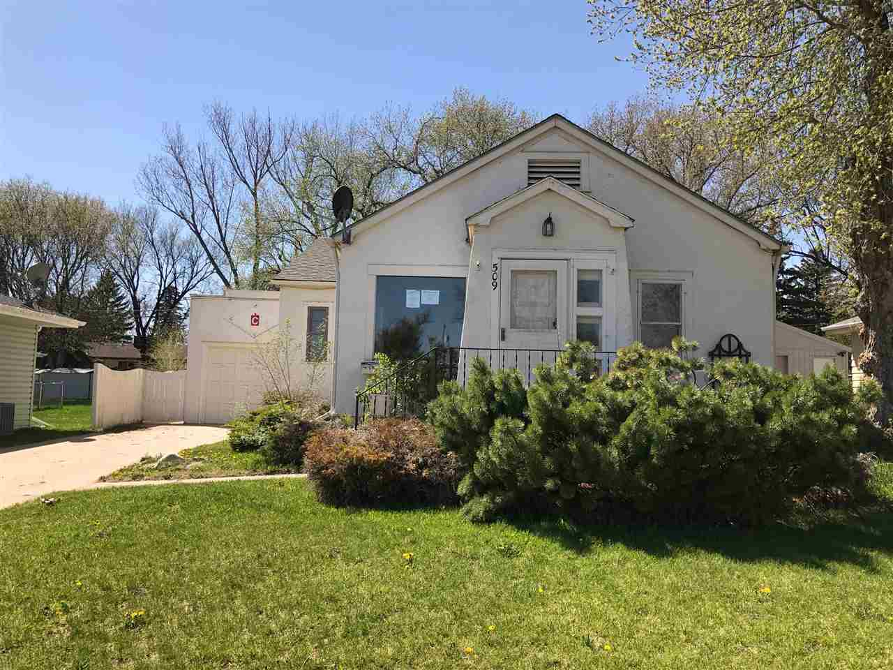 509 NW 23rd Street NW, Minot, ND 58703