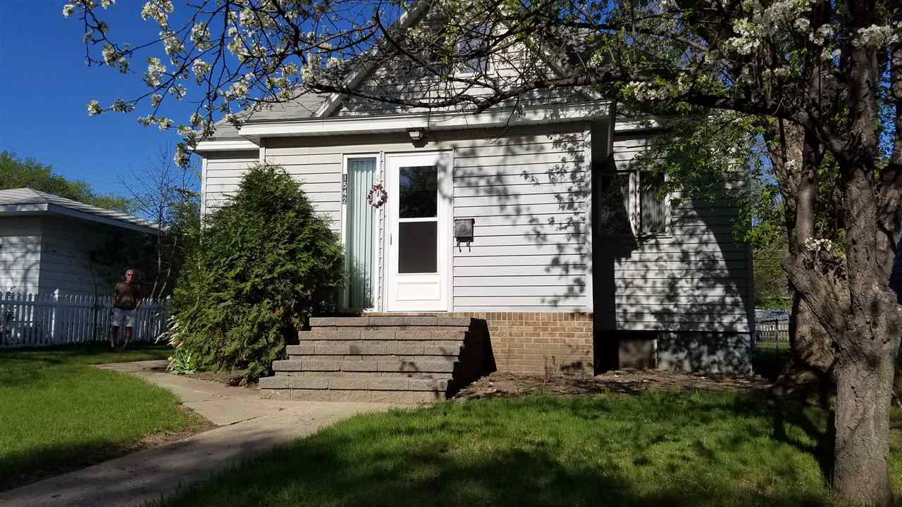 1542 6th St SW, Minot, ND 58701