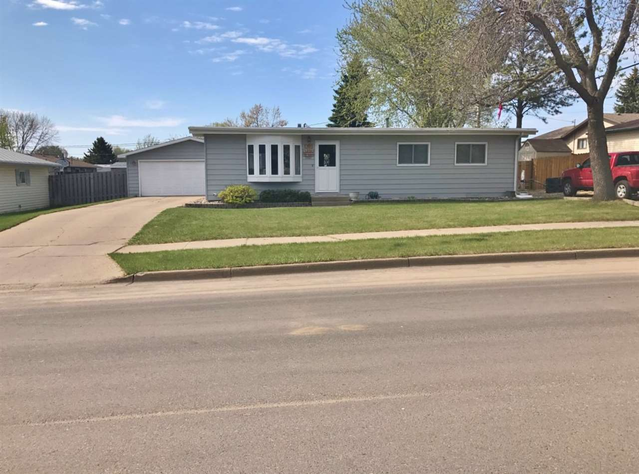911 17th Ave. SW, Minot, ND 58701