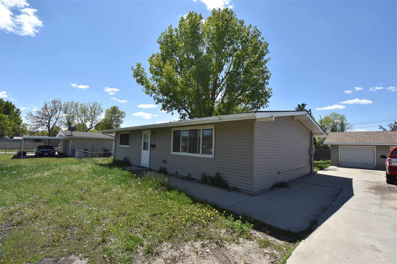 400 SW 16th ST SW, Minot, ND 58701