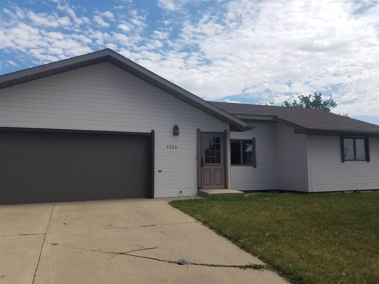 1526 16TH ST NW, Minot, ND 58703