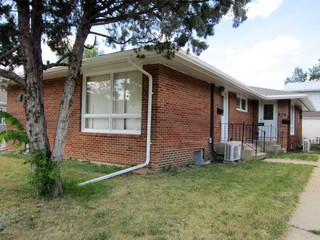 306 7th Ave NW, Minot, ND 58703