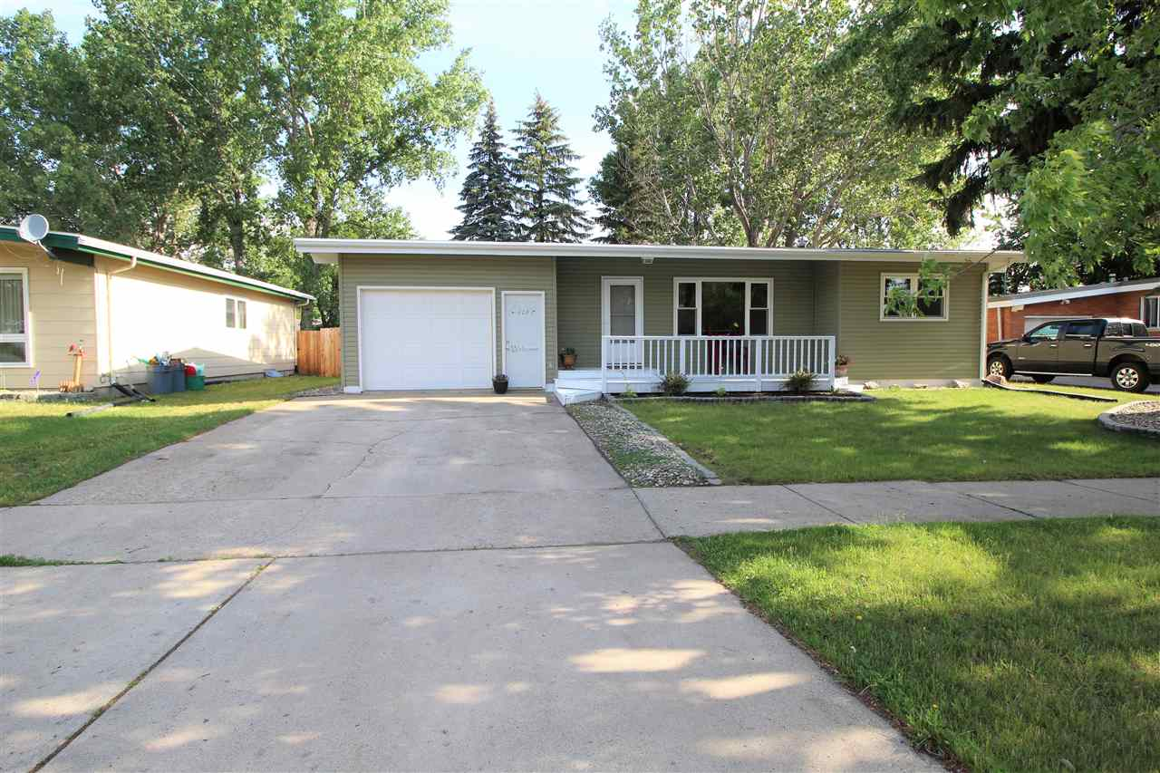 628 24th Ave. NW, Minot, ND 58703