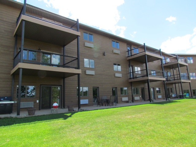 80 Twin Oaks Shore Unit 12, Lake Metigoshe, ND 58318
