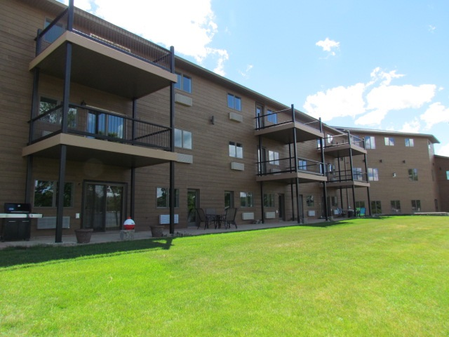 80 Twin Oaks Shore Unit 31, Lake Metigoshe, ND 58318