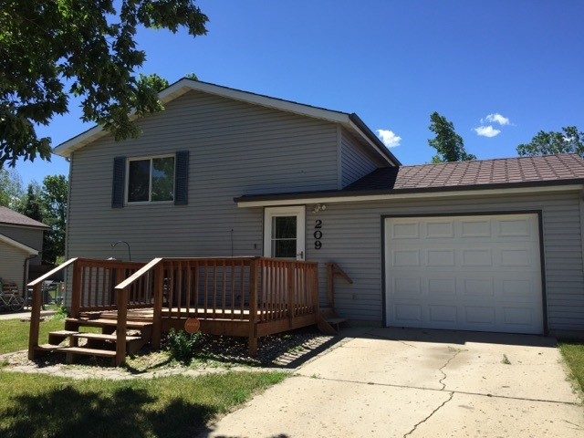 209 Durango Dr., Burlington, ND 58722