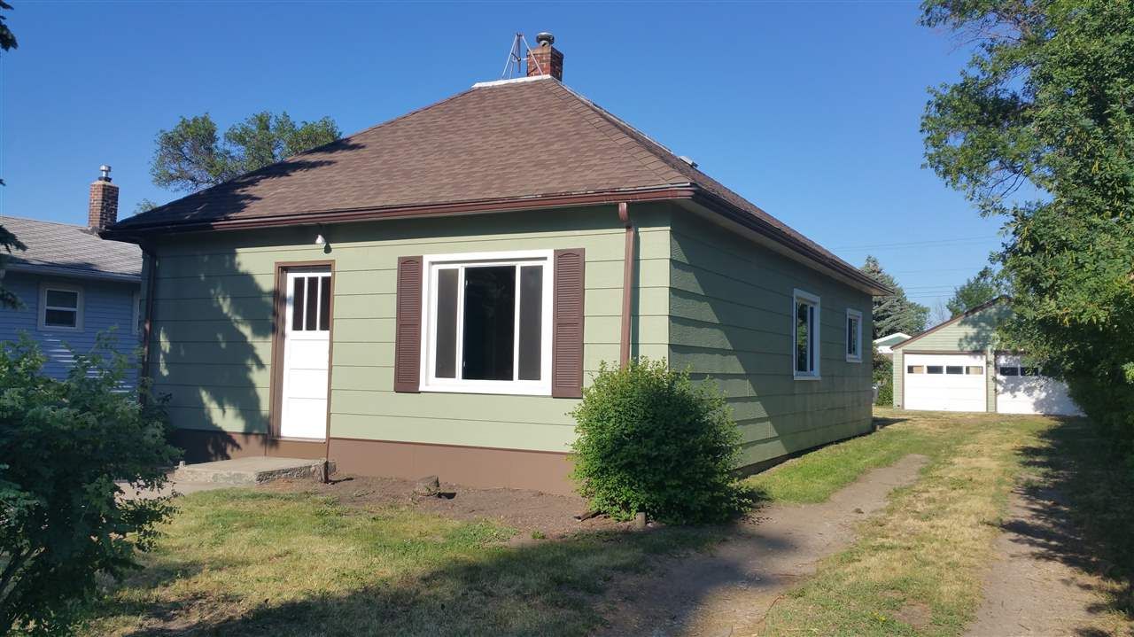 524 1st St SW, Stanley, ND 58784
