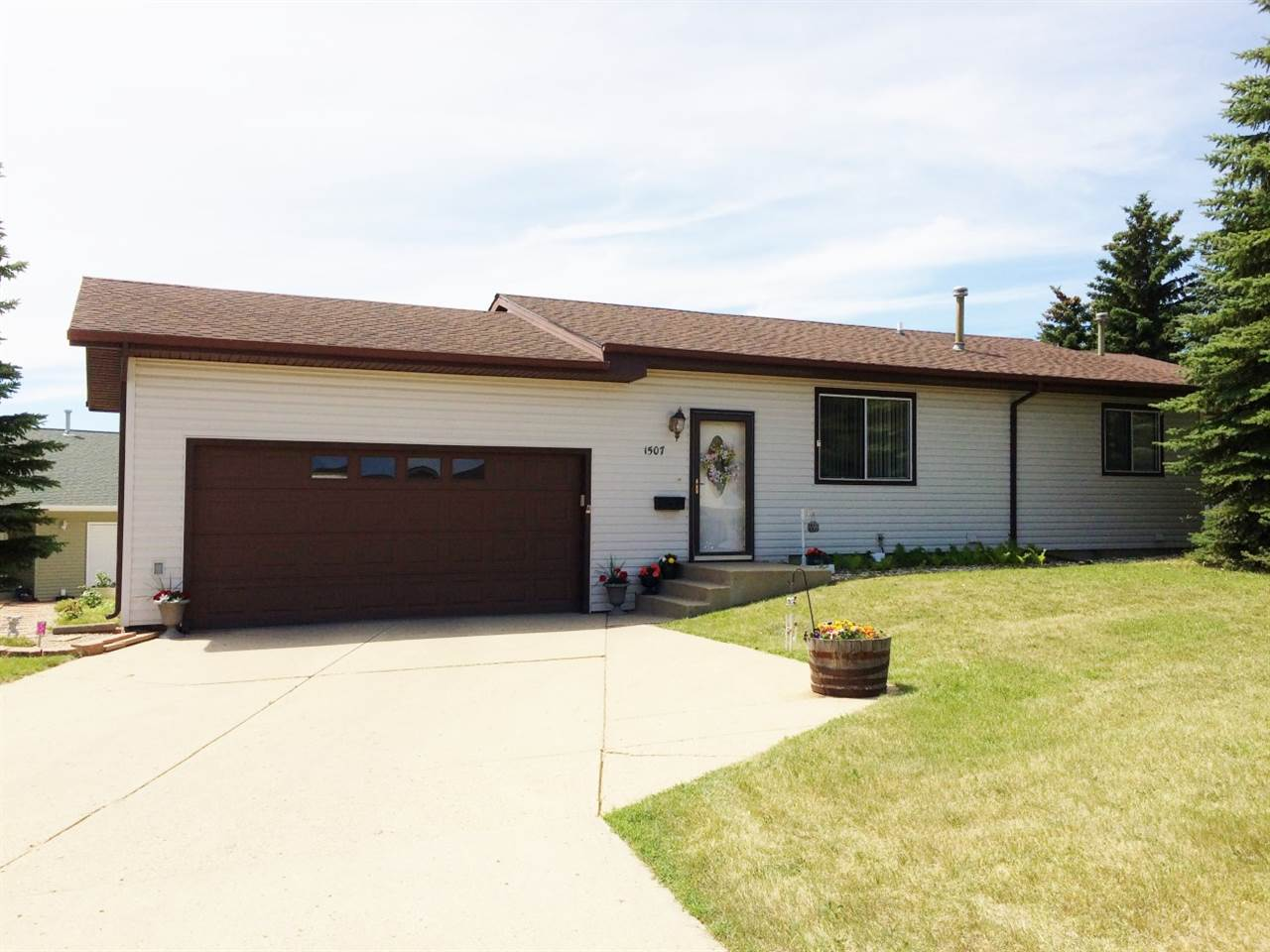 1507 16th St NW, Minot, ND 58703