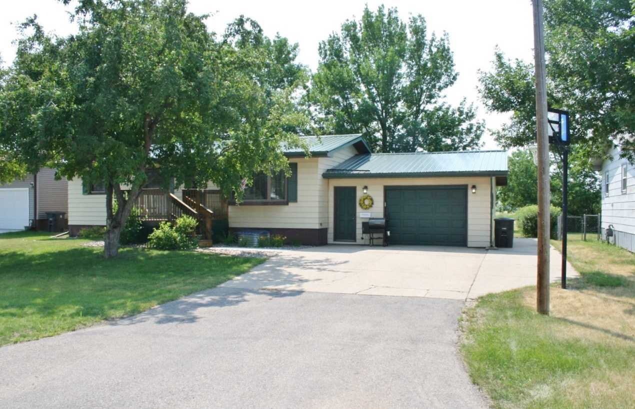 108 3rd Ave. NW, Surrey, ND 58785