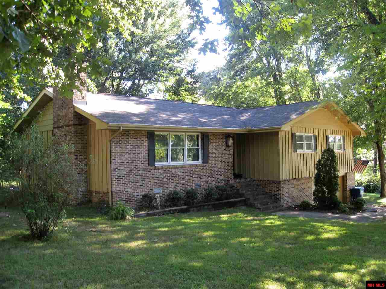 708 OAK KNOLL DRIVE | Mountain Home, AR