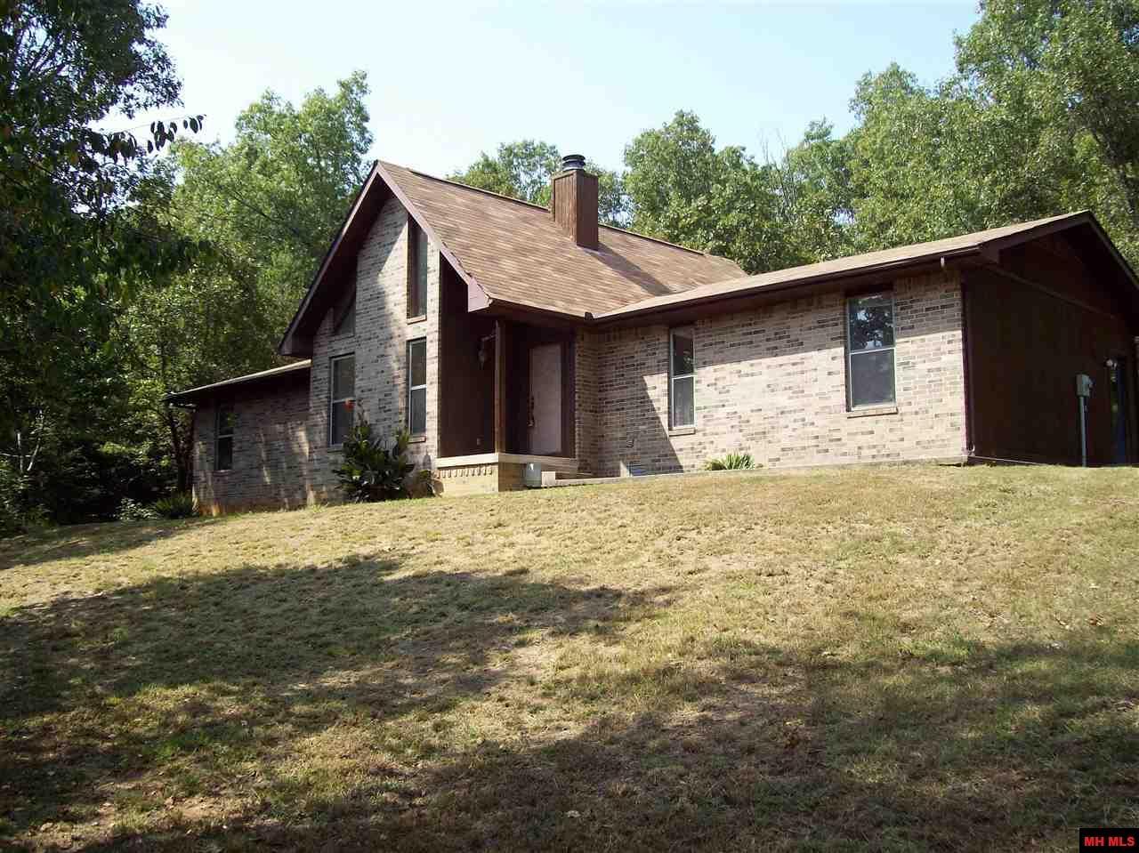 1328 BASSWOOD DRIVE | Mountain Home, AR