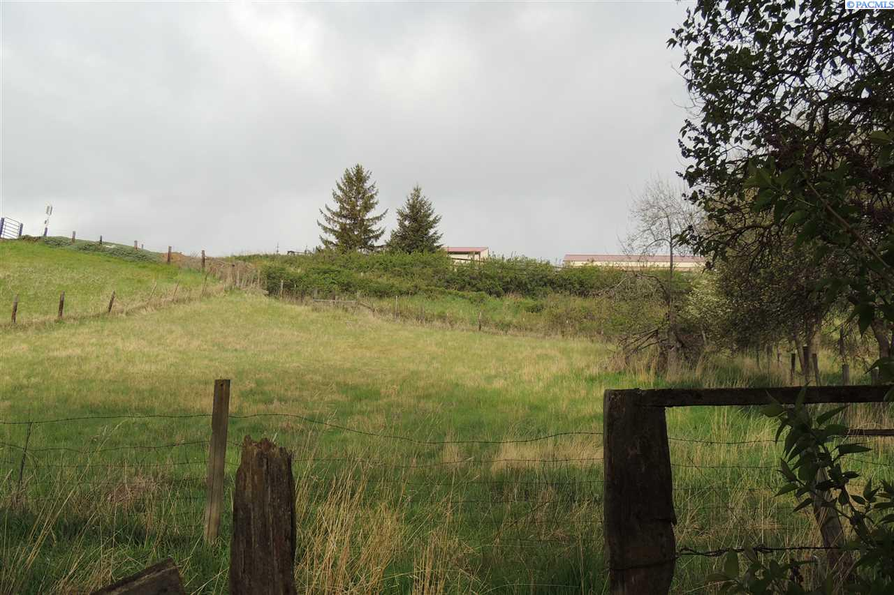 Additional photo for property listing at 925 W Lynd Road 925 W Lynd Road Palouse, Washington 99161 United States