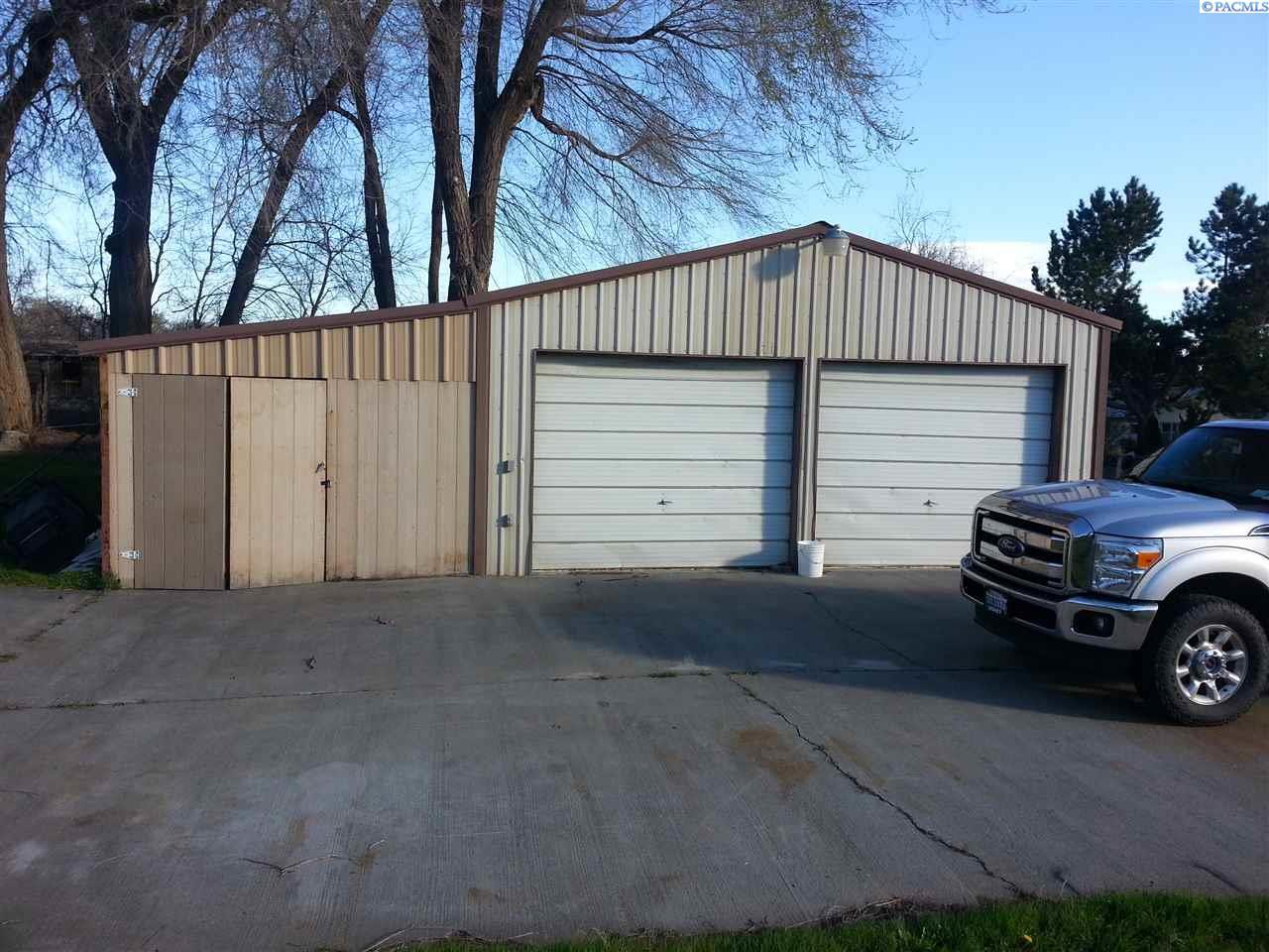 2625 Riverside Drive, West Richland, WA 99353