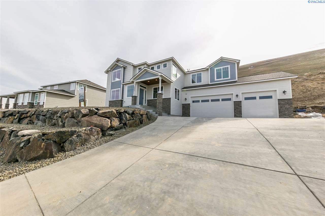 5901 Velonia Drive, West Richland, WA 99353