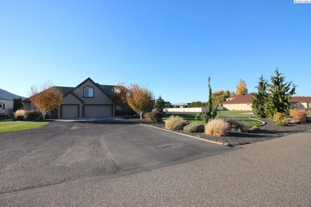 5800 Glenbrook Loop, West Richland, WA 99353