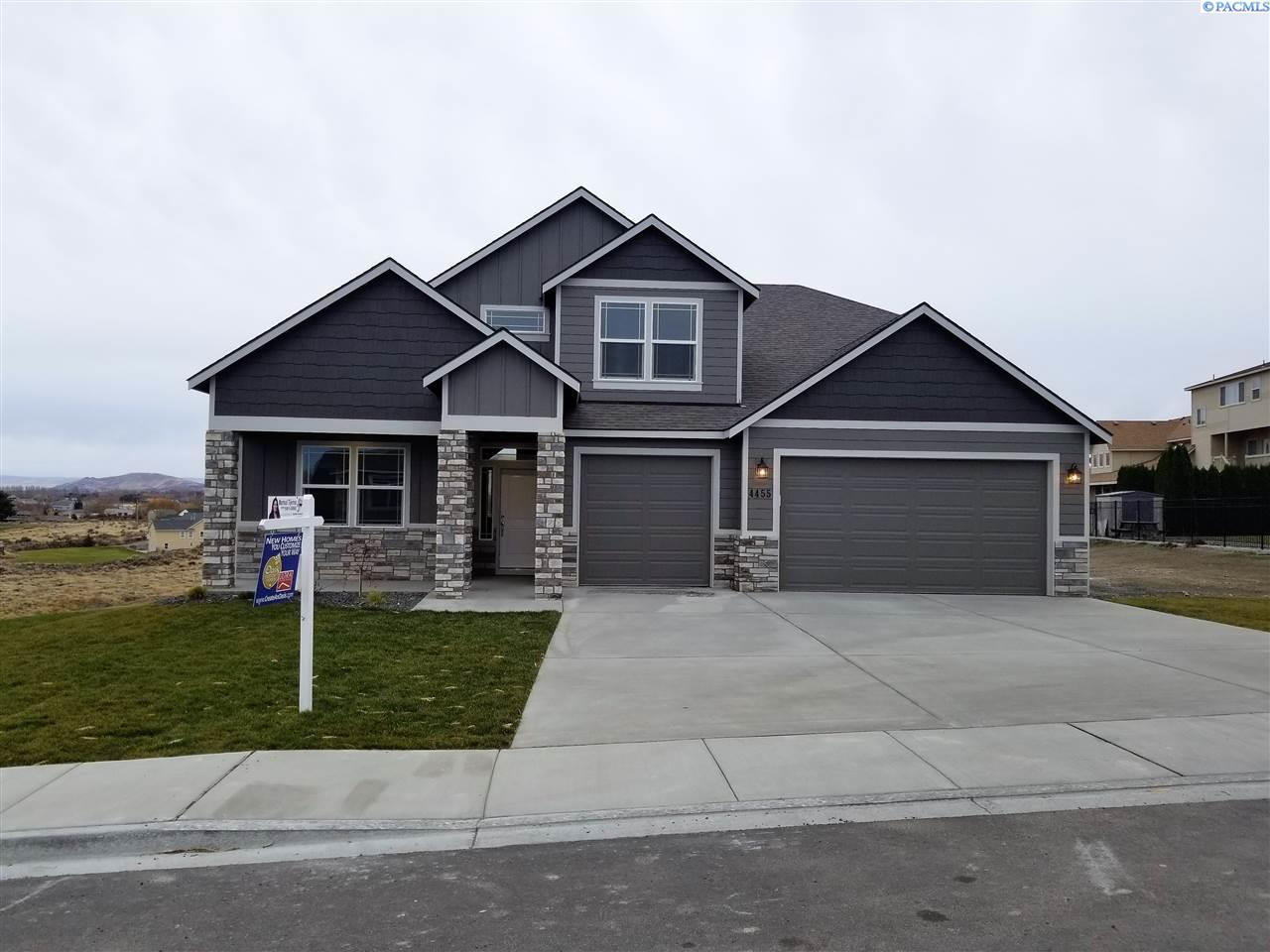 4455 Queen St, West Richland, WA 99353