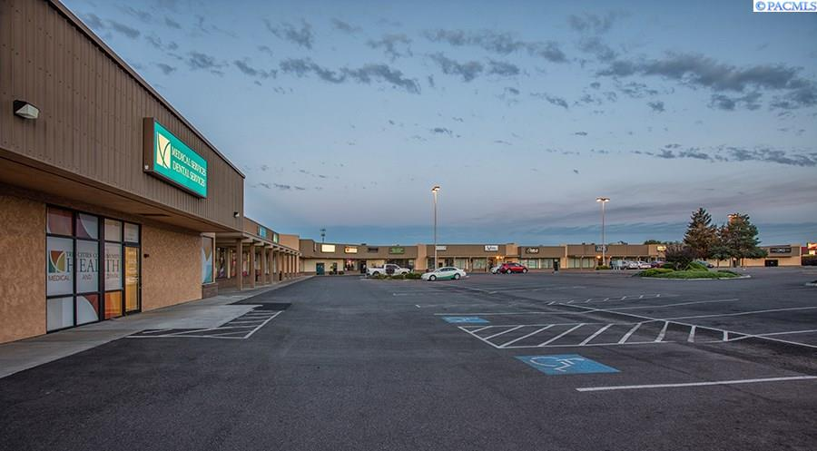 Retail for Sale at 3180 W Clearwater Avenue 3180 W Clearwater Avenue Kennewick, Washington 99336 United States