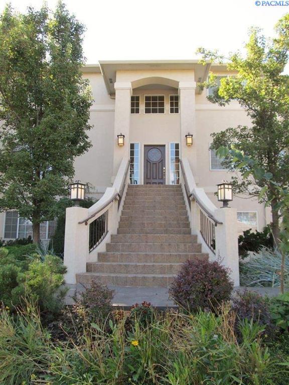 355 Riverwood Street, Richland, WA 99352