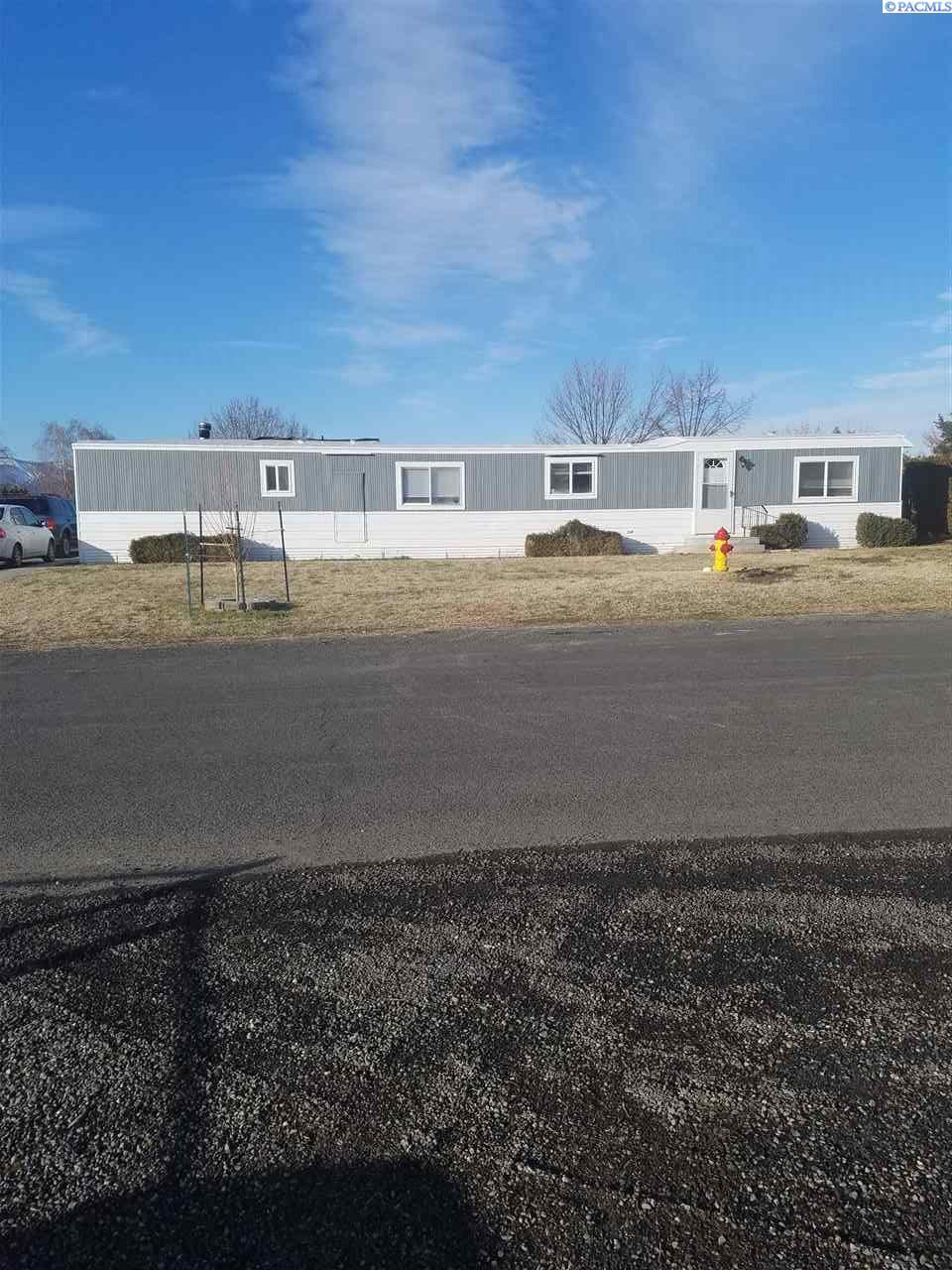 34502 N Firewood Dr, Benton City, WA 99320