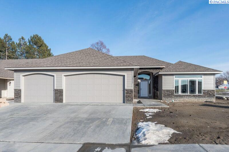 Single Family Home for Sale at 1673 S Fescue 1673 S Fescue Kennewick, Washington 99338 United States