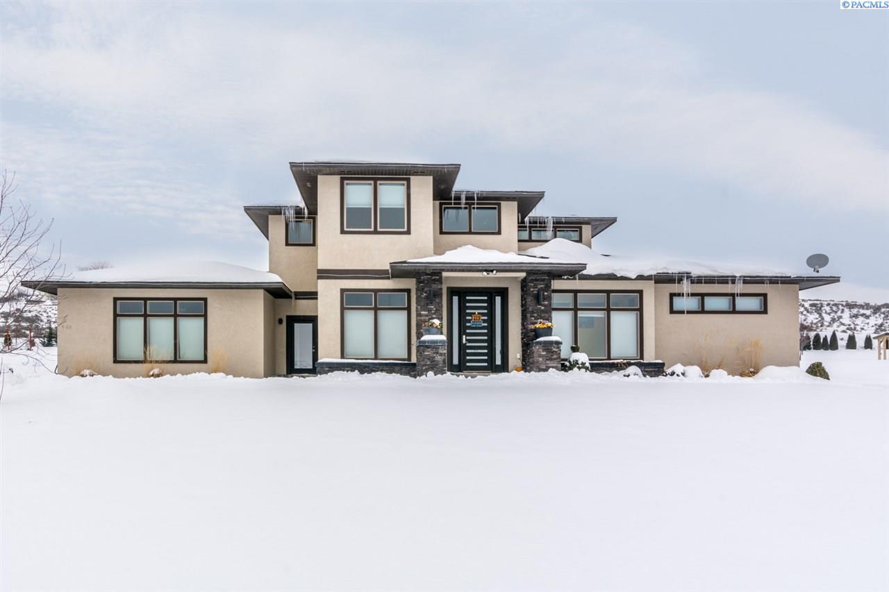 Single Family Home for Sale at 98216 Sidibe 98216 Sidibe Kennewick, Washington 99338 United States