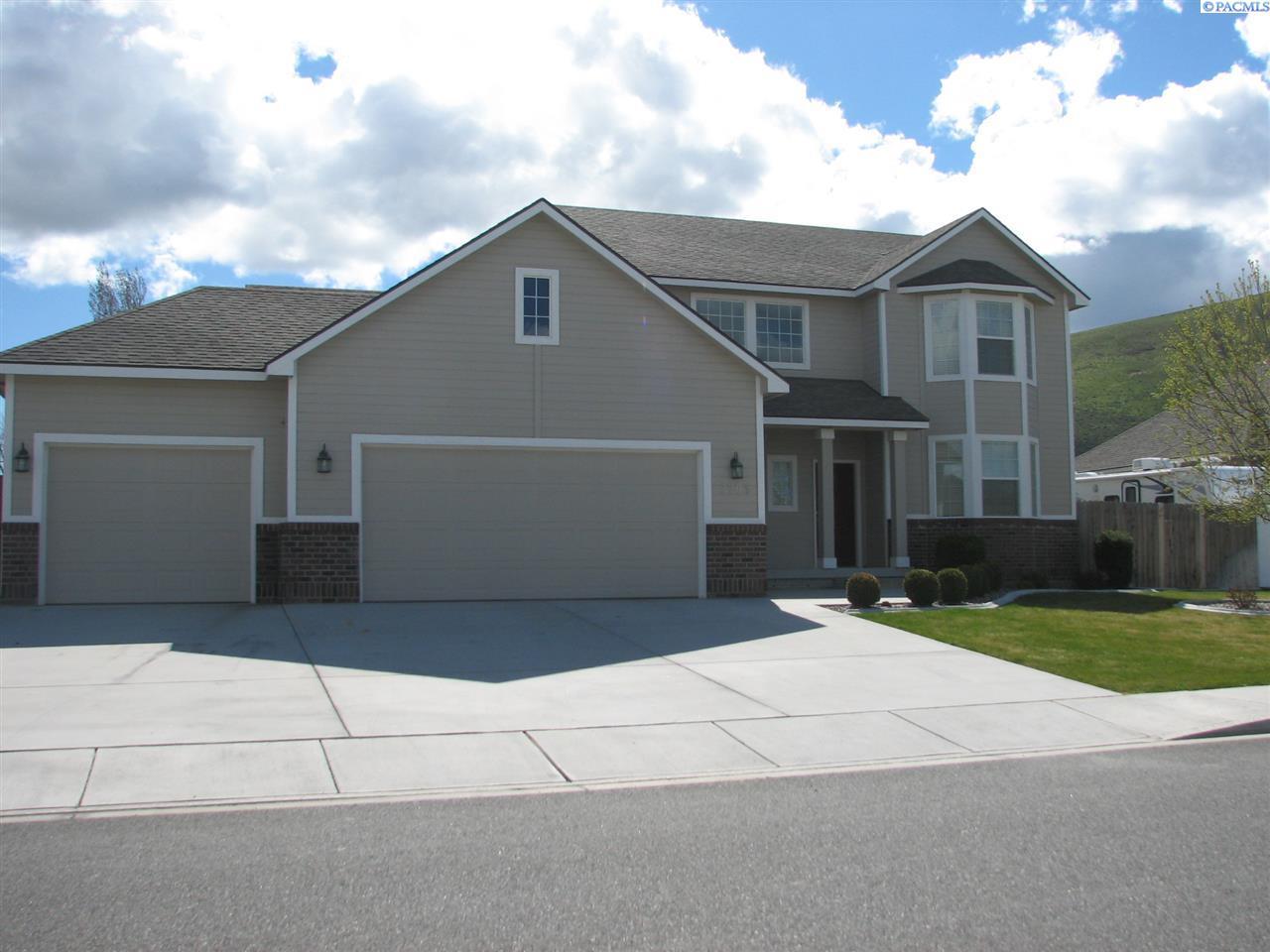 3705 Hazelwood, West Richland, WA 99353
